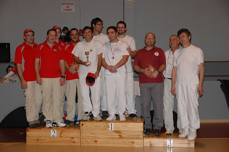 salle-thouars-2011-equipe-poulies